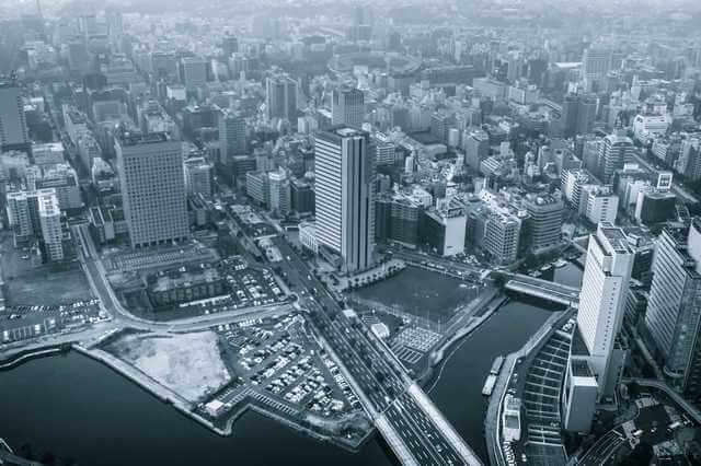 Building_sky_Tokyo