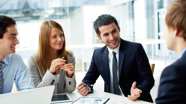 businessman_careerwoman